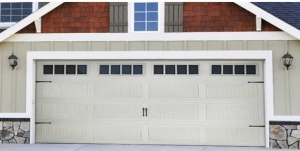 ranch-stamped-carriage-style-garage-door