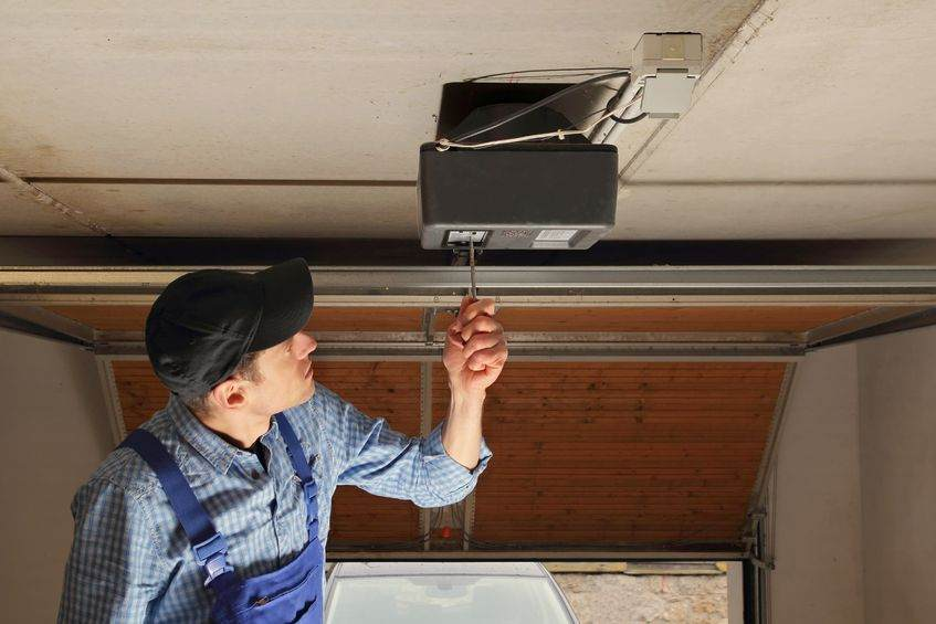 Garage Door Repairman